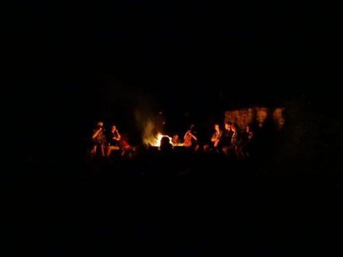 Singerunde am Feuer